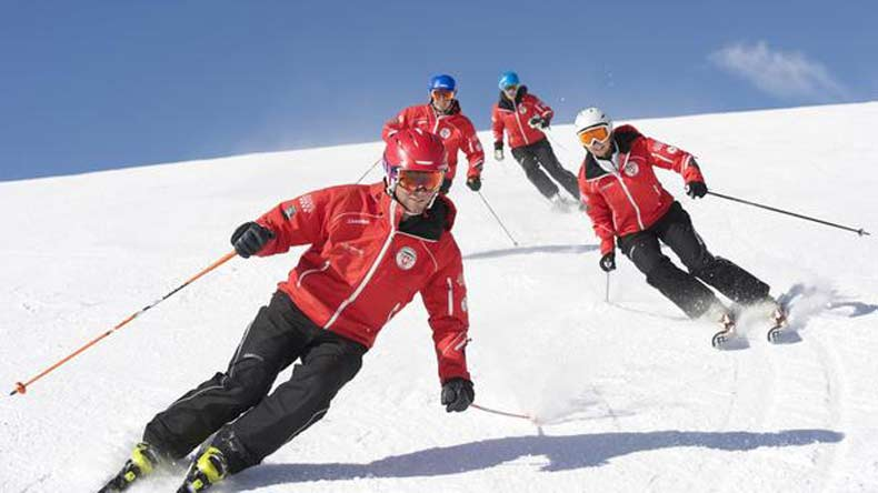 scotland, skiing industry scotland, scottish skiing industry, europe, international report on skiing, warm winters in europe, climate coalation report, WWF-UK, RSPB, oxfam, snow in europe, world news, skiing in europe