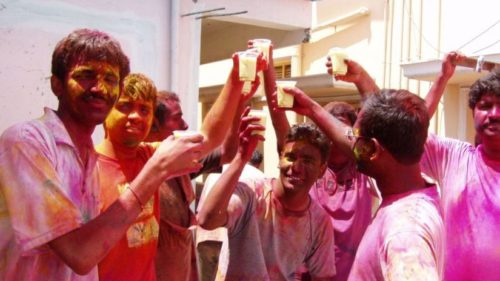 Getting drunk this Holi? Check these signs of alcohol poisoning and steps to manage them