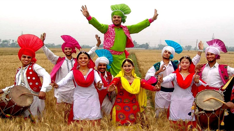 Happy Baisakhi messages and wishes in Punjabi for 2018: WhatsApp messages, Baisakhi wishes and greetings, SMS, Facebook posts to wish everyone