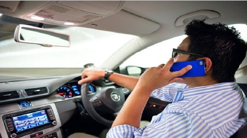 Nissan, Nissan Survey, mobile while driving, Traffic violations India, Japanese automobile, Indians driving habits, Delhi, Kerala, Punjab, traffic law, auto news, India news