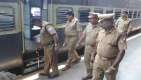 RPF rescues 26 minor girls from Awadh Express