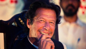 Pakistan's PM-elect Imran Khan invites Aamir Khan, Kapil Dev and Sunil Gavaskar for swearing in ceremony