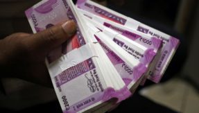 Here's how free-falling Rupee fares against top 5 currencies of the world