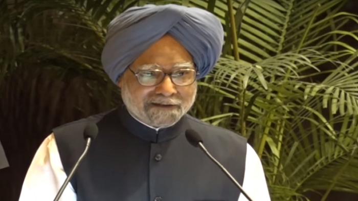 Manmohan Singh says there is a need to arrest disturbing trends of communal polarisation, intolerance and growing incidence of violent crimes