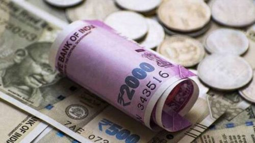 Rupee sinks further against US dollar, closes at 72.98