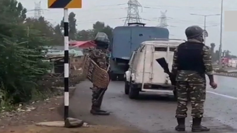 Jammu and Kashmir, 5 terrorists killed in encounter, Kulgam district, LeT terrorists, internet services suspended in j&K