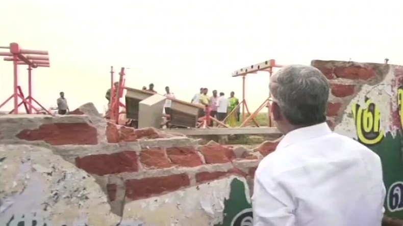 Trichy airport acccident,Trichy airport,mumbai airpot,Dubai,air india express,Air India,Air India flight hits wall