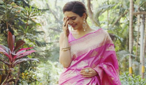 Karishma Tanna is the perfect desi girl in this stunning pink saree, see photos