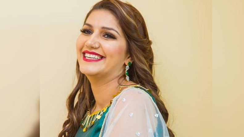Sapna Chaudhary photos: Haryanvi sensation looks sexy in a yellow suit, see pic