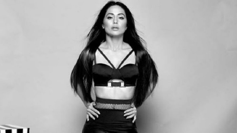 Hina Khan Looks Way Too Classy In This Monochrome Photo See Here