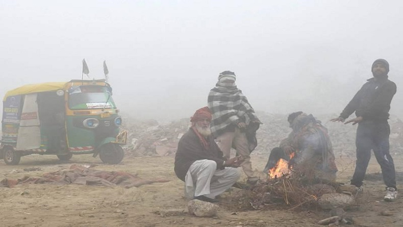 Today's weather: North India sees rains, heavy snowfall in Jammu and