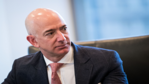 Amazon CEO Jeff Bezos accuses National Enquirer of blackmail, Jeff Bezos MacKenzie divorce, Jeff Bezos