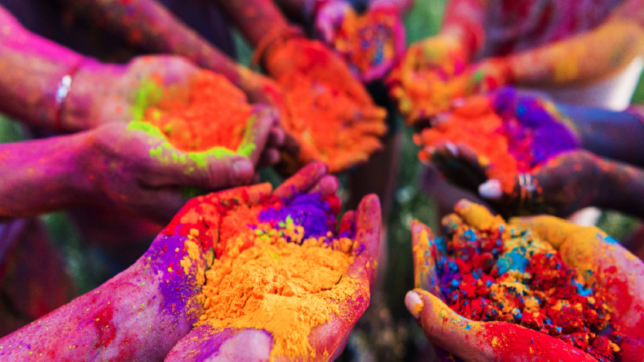 Download Happy Holi pictures 2019 for Whats app and Facebook: GIF images, photos, HD wallpapers for friends, family and Holi lovers