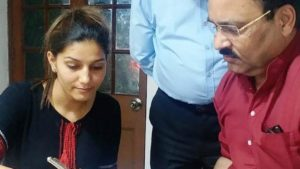 Sapna Chaudhary joins Congress, Haryana dancer Sapna Chaudhary joins Congress, Sapna Chaudhary likely to contest from Haryana