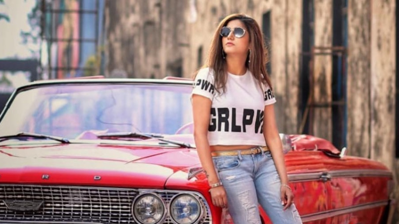 Sapna Choudhary song Ignore, Ignore song, Haryanvi song Ignore, Sapna Choudhary songs, Sapna Choudhary sexy videos, Sapna Choudhary sexy songs