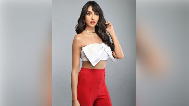 Nora Fatehi flaunts her curves in sexy white crop top, see photo
