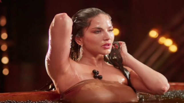 Sunny Leone's sexy belly dance in Mammootty-starrer Moha Mundiri will blow your mind, watch video
