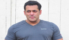 Salman Khan accused of snatching journalist's phone