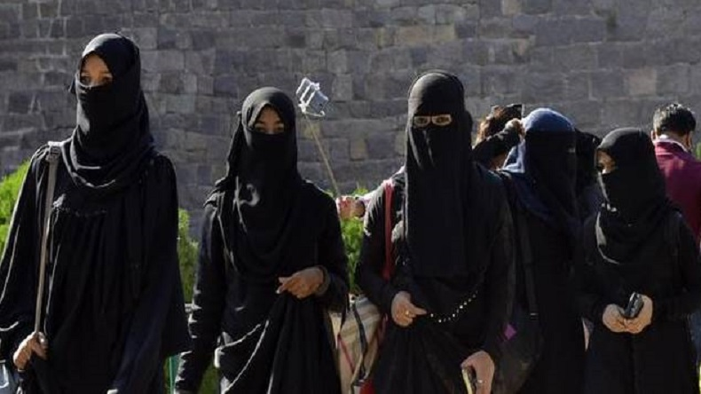 Union Cabinet may consider to push a fresh triple talaq bill today