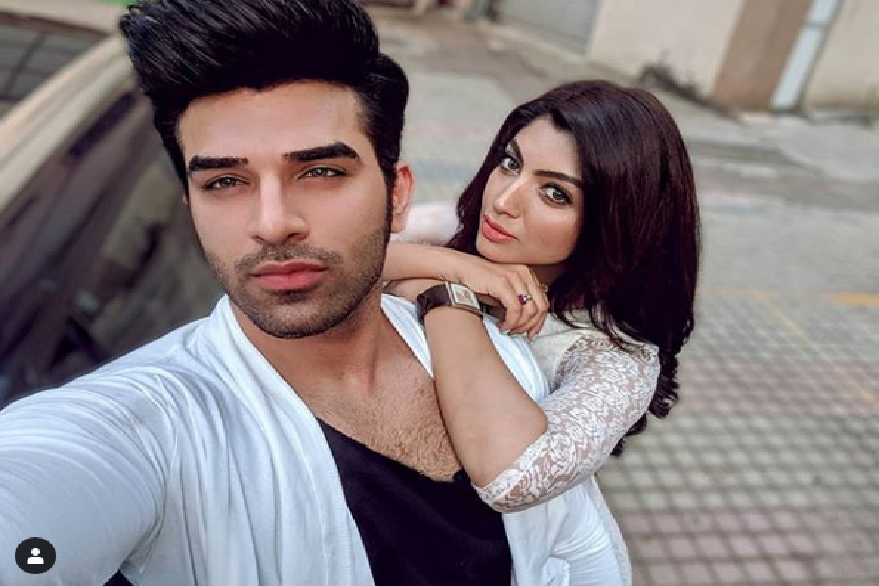 Bigg Boss 13: Paras Chhabra's girlfriend Akanksha Puri says she wants him to be surrounded by girls in BB house